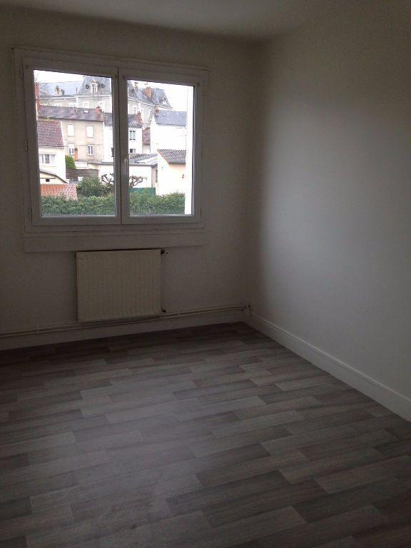 Appartement à louer 3 51.04m2 à Limoges vignette-3