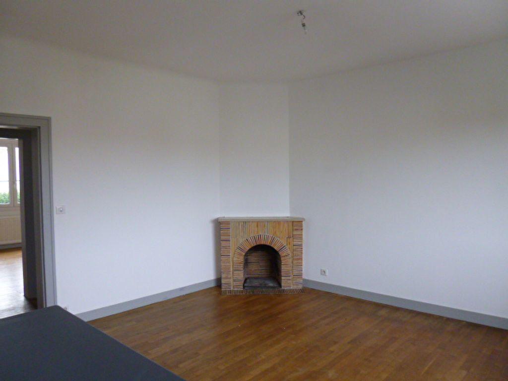 Maison à louer 5 83.12m2 à Limoges vignette-2