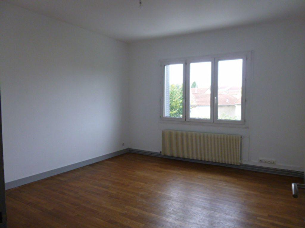 Maison à louer 5 83.12m2 à Limoges vignette-10