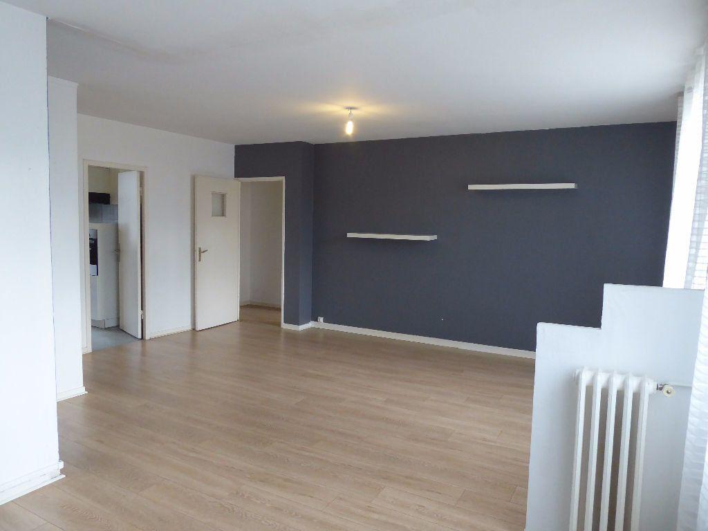 Appartement à louer 4 66.35m2 à Limoges vignette-5