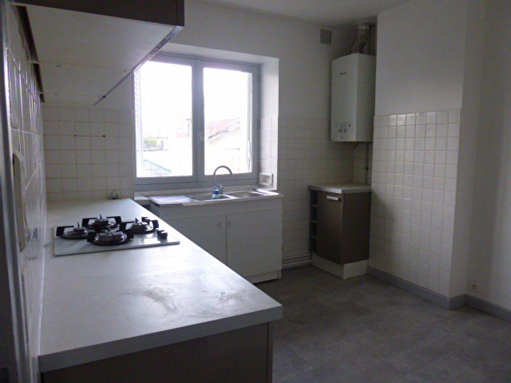 Appartement à louer 3 92.89m2 à Limoges vignette-3