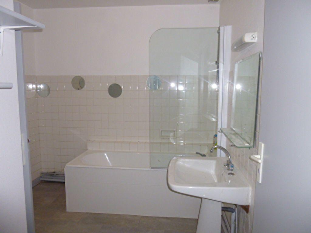 Appartement à louer 3 92.89m2 à Limoges vignette-5