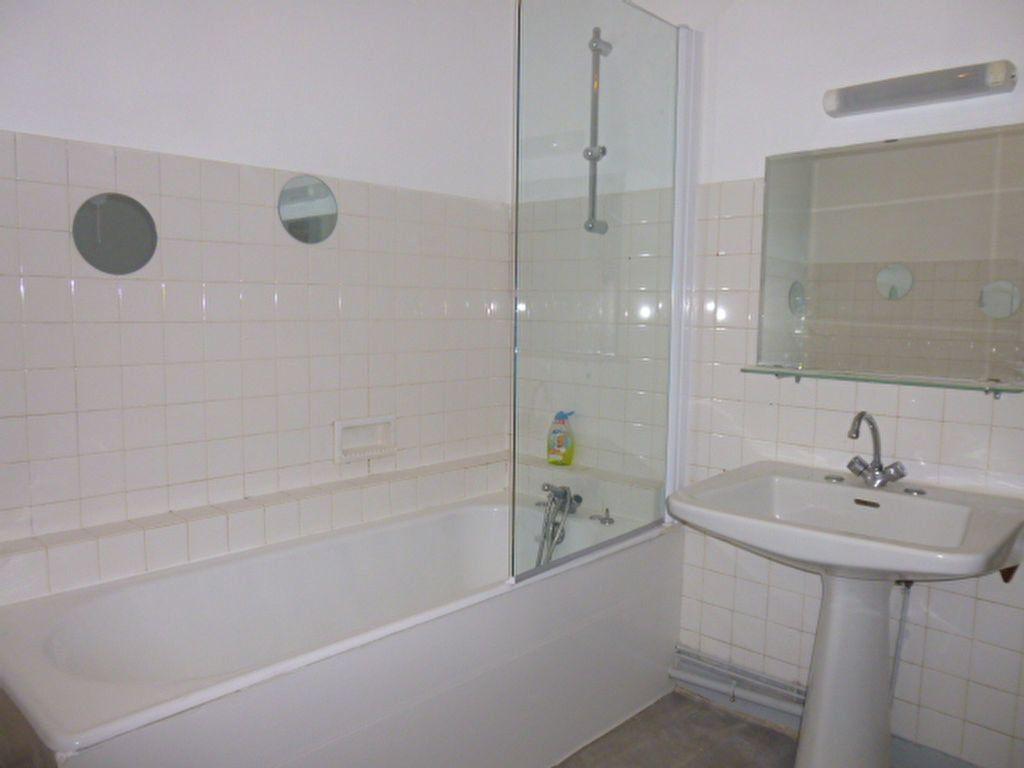 Appartement à louer 3 92.89m2 à Limoges vignette-6
