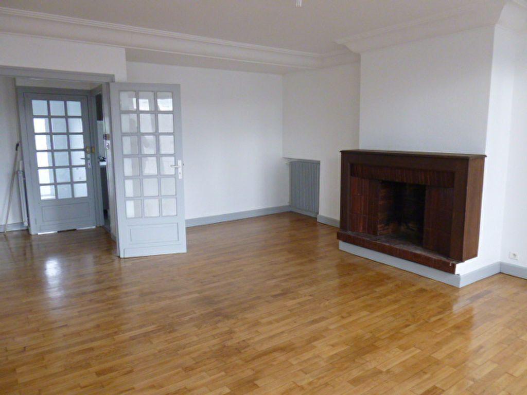 Appartement à louer 3 92.89m2 à Limoges vignette-8