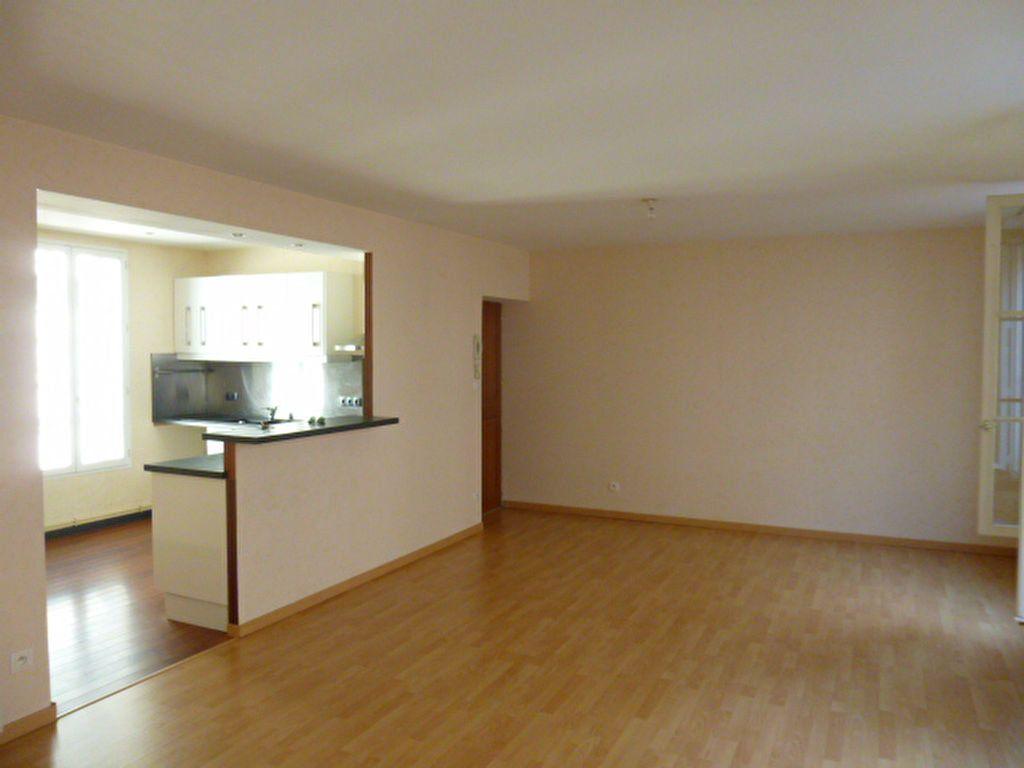 Appartement à louer 3 86.01m2 à Limoges vignette-8