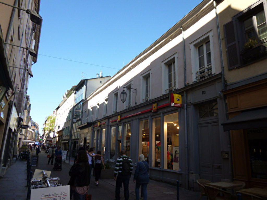 Appartement à louer 3 86.01m2 à Limoges vignette-11