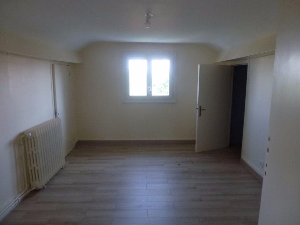 Maison à louer 4 79.6m2 à Boisseuil vignette-6