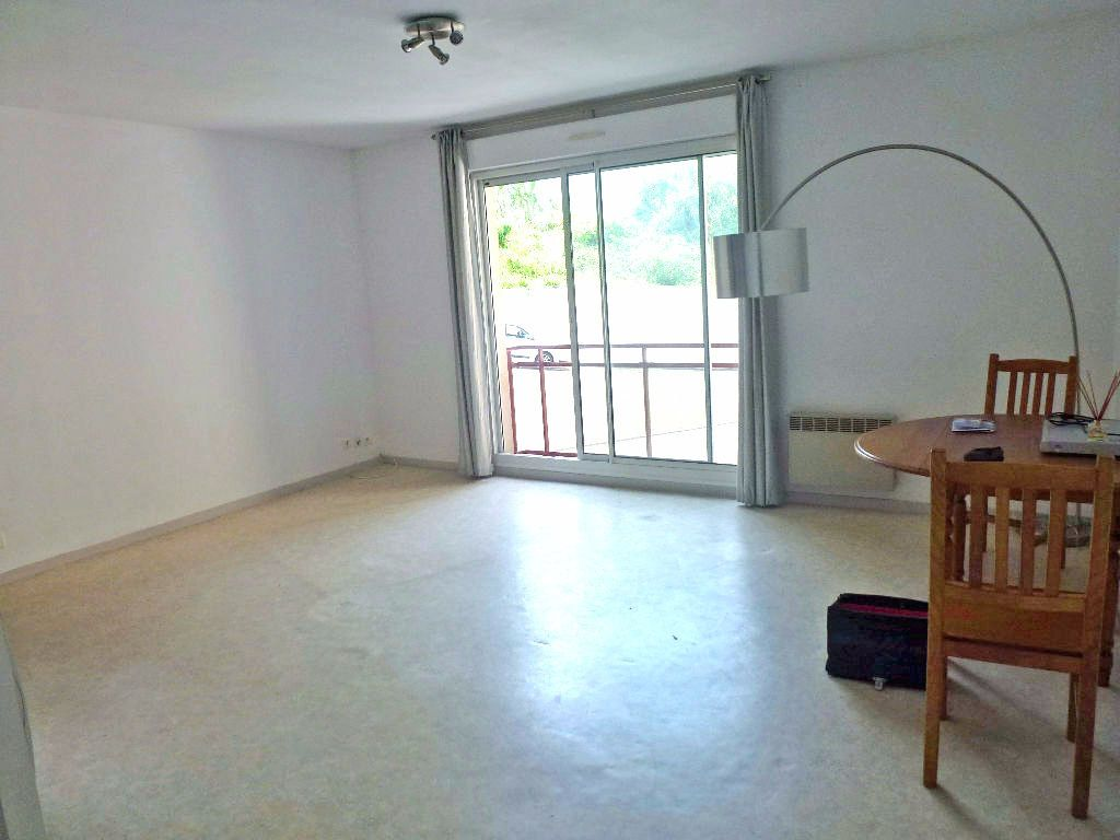 Appartement à louer 2 46.88m2 à Limoges vignette-1