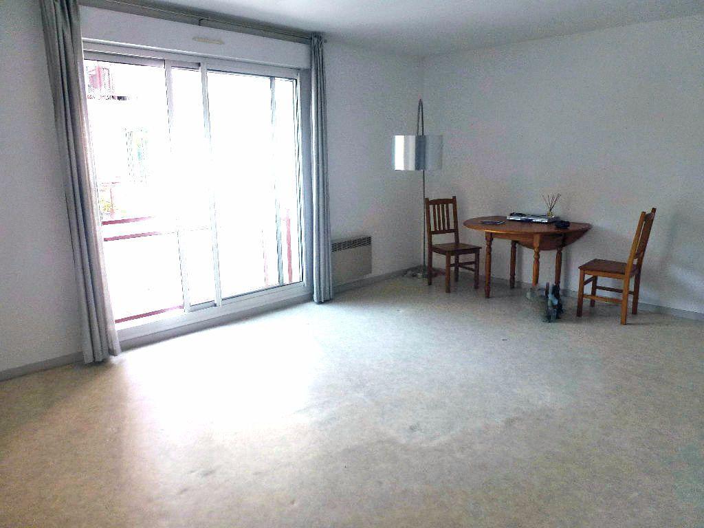 Appartement à louer 2 46.88m2 à Limoges vignette-4