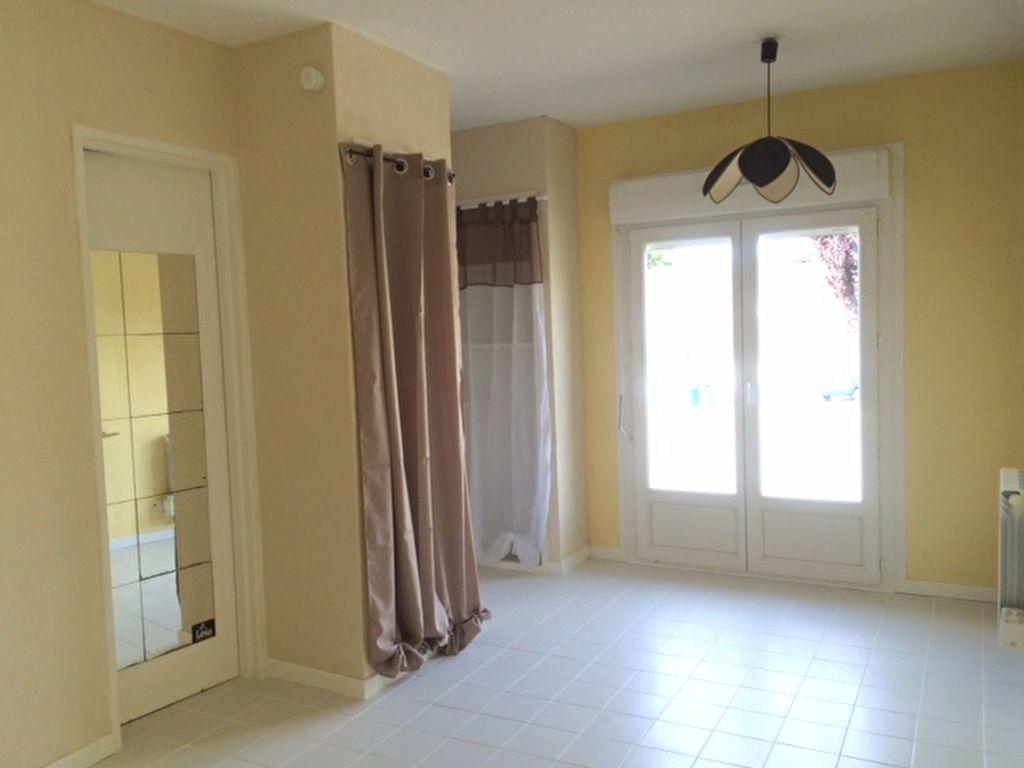 Appartement à louer 1 18.27m2 à Limoges vignette-1