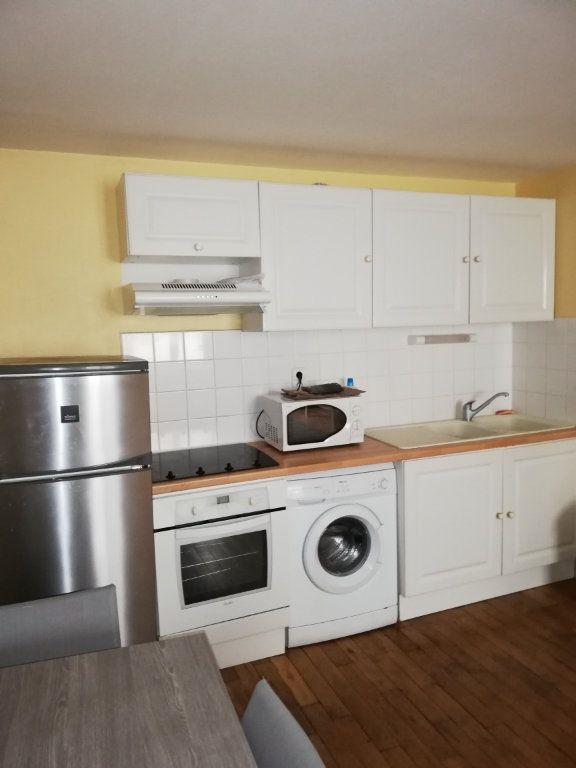 Appartement à louer 3 62m2 à Limoges vignette-2