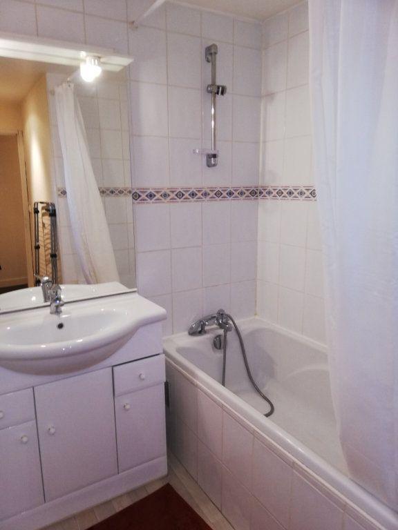 Appartement à louer 3 62m2 à Limoges vignette-4