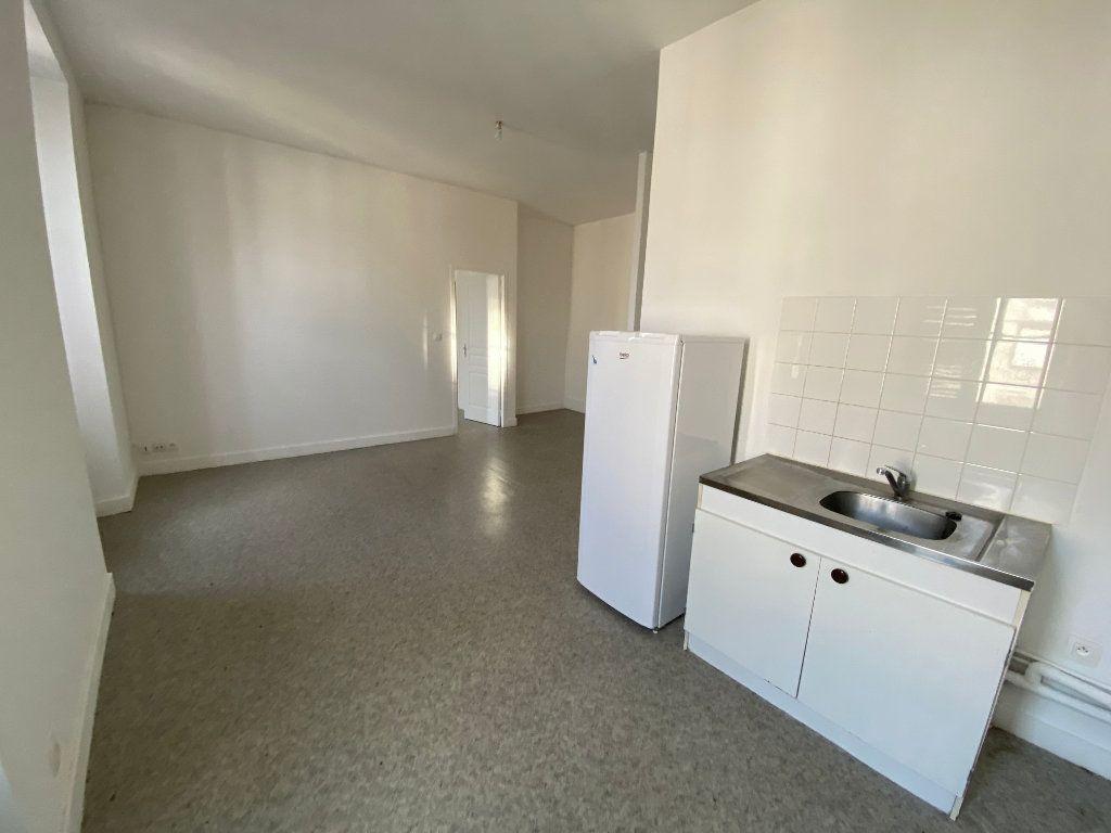 Appartement à louer 2 45.76m2 à Limoges vignette-2