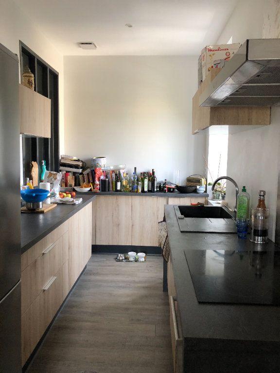 Appartement à louer 3 81.68m2 à Limoges vignette-2