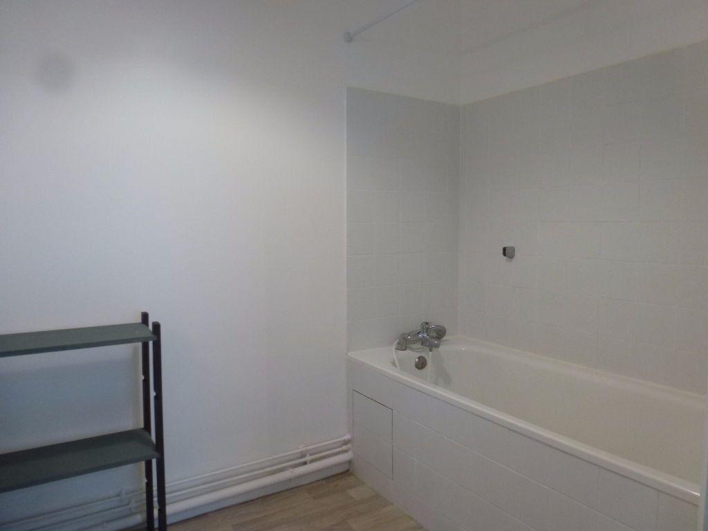 Appartement à louer 2 49m2 à Limoges vignette-6