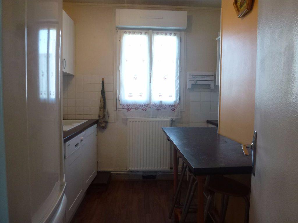 Appartement à louer 3 57.21m2 à Limoges vignette-5