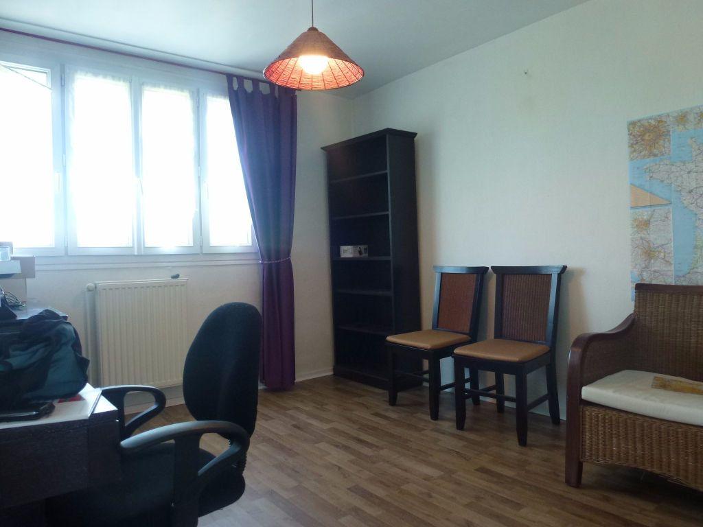 Appartement à louer 3 57.21m2 à Limoges vignette-7