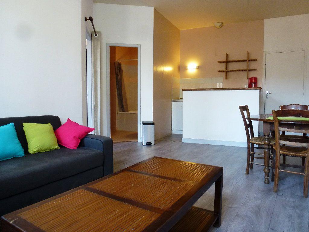 Appartement à louer 2 32.32m2 à Limoges vignette-1