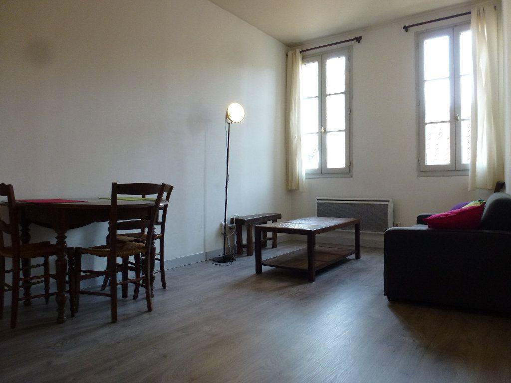 Appartement à louer 2 32.32m2 à Limoges vignette-2