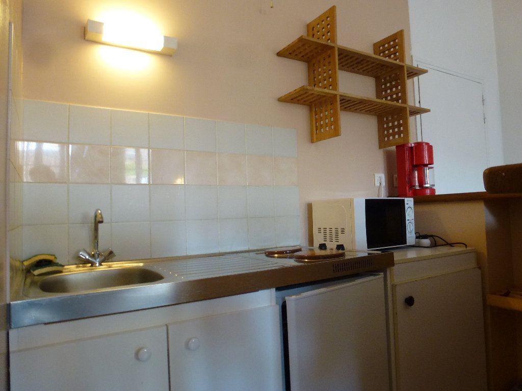 Appartement à louer 2 32.32m2 à Limoges vignette-5