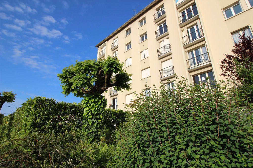 Appartement à louer 2 45.66m2 à Limoges vignette-3