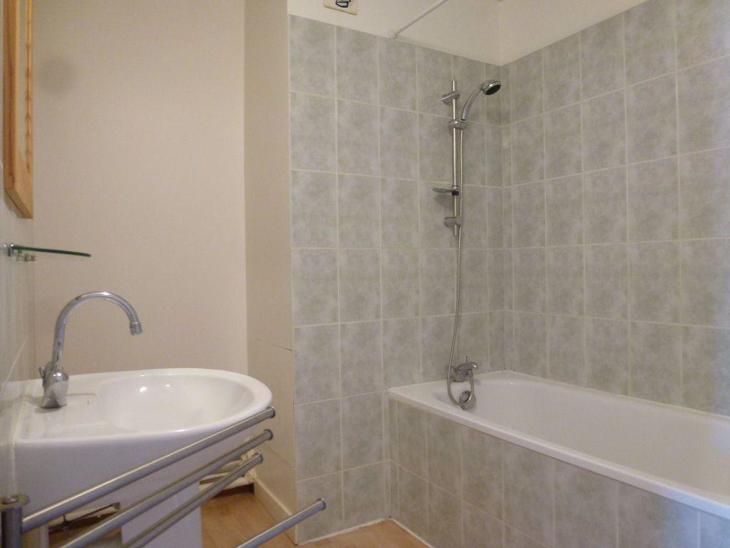 Appartement à louer 2 40.11m2 à Limoges vignette-4