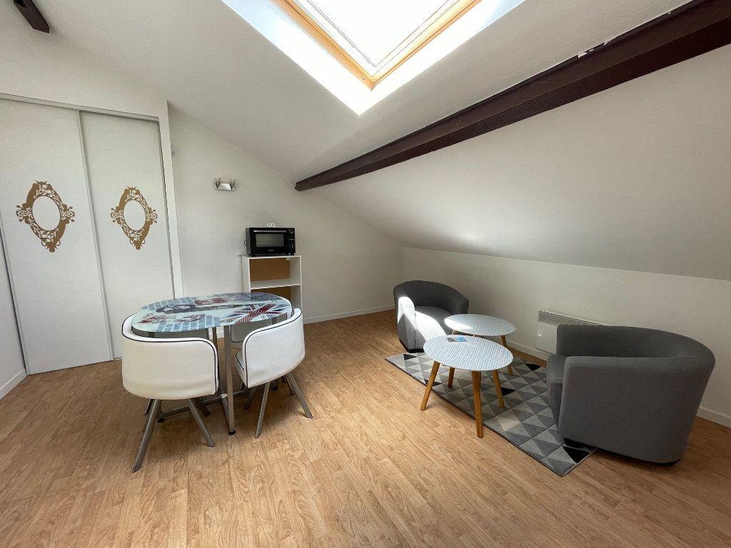 Appartement à louer 2 19m2 à Limoges vignette-1