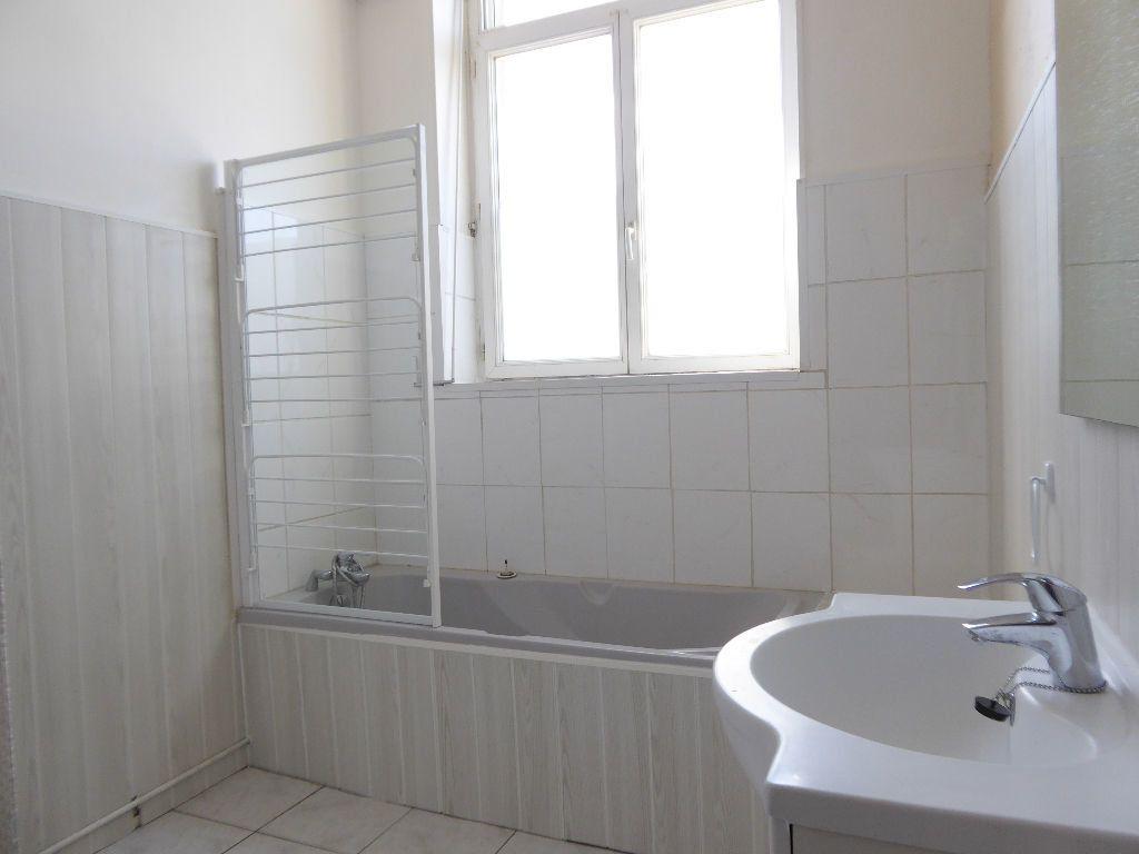 Appartement à louer 4 94.53m2 à Limoges vignette-7