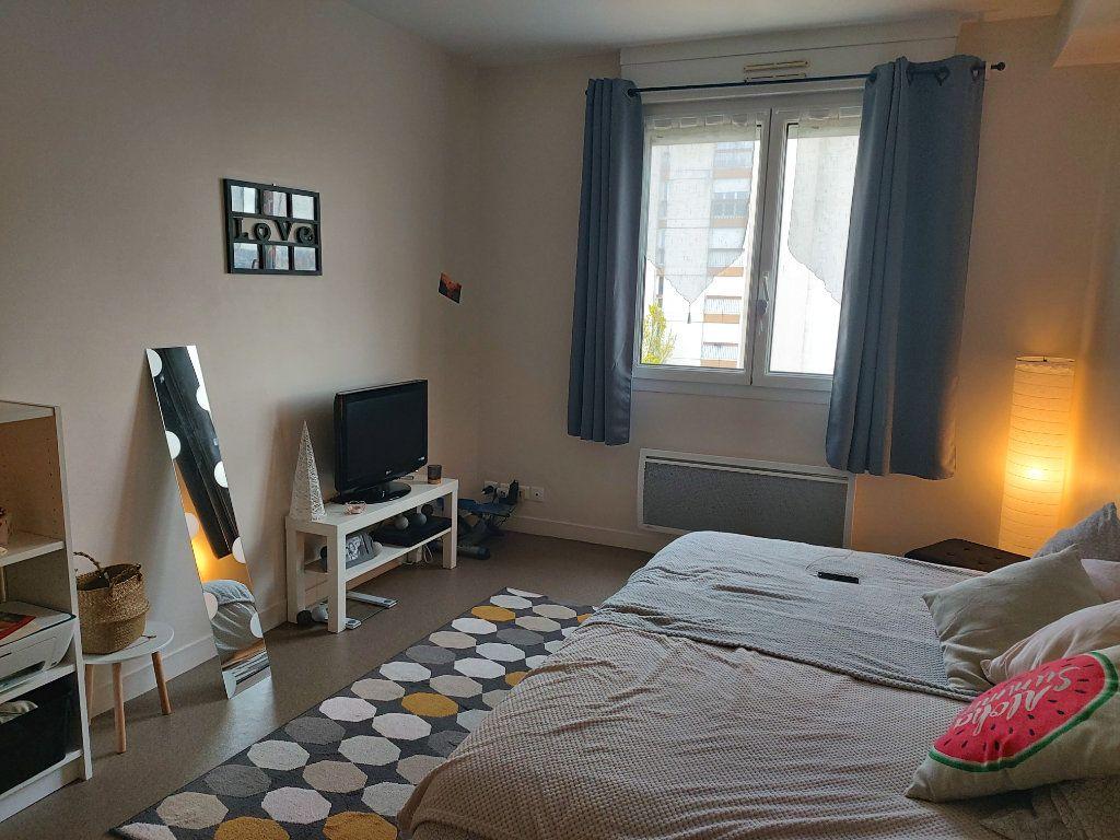 Appartement à louer 1 26.2m2 à Limoges vignette-1