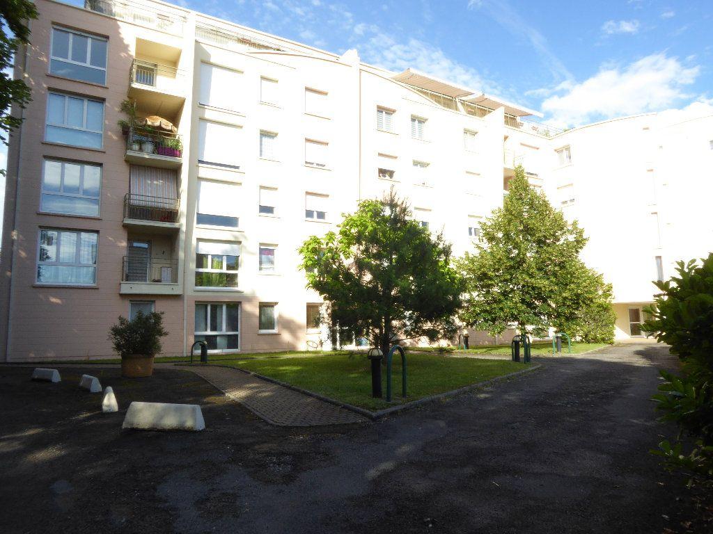 Appartement à louer 1 26.2m2 à Limoges vignette-4