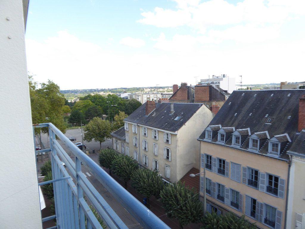 Appartement à louer 3 69.87m2 à Limoges vignette-6