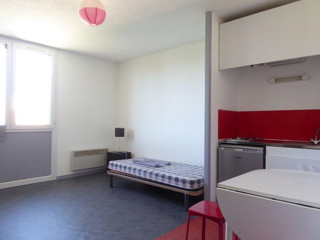 Appartement à louer 1 23.35m2 à Limoges vignette-1