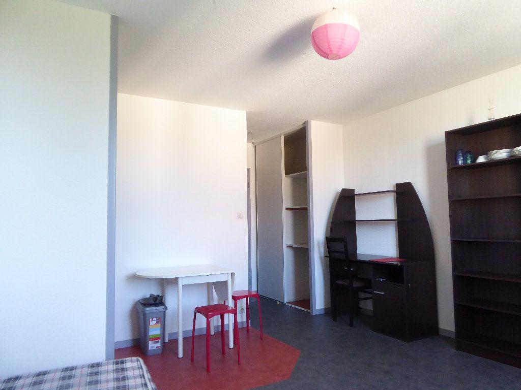 Appartement à louer 1 23.35m2 à Limoges vignette-4