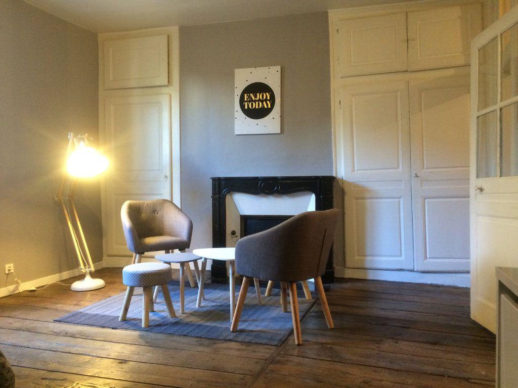 Appartement à louer 1 37m2 à Limoges vignette-2