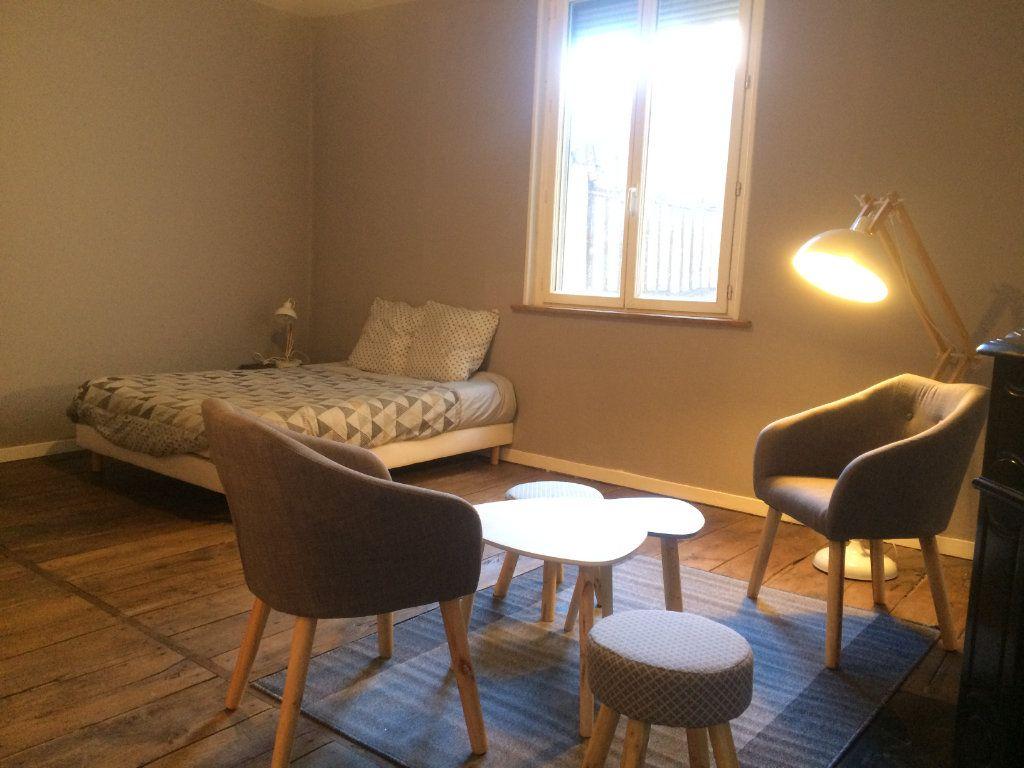 Appartement à louer 1 37m2 à Limoges vignette-3