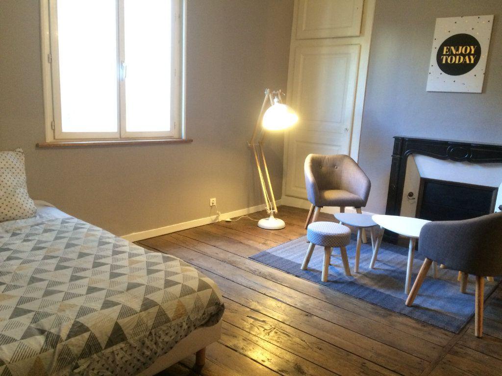 Appartement à louer 1 37m2 à Limoges vignette-4