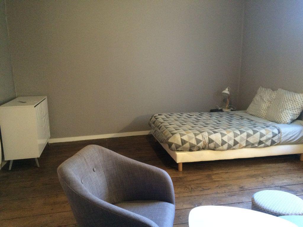 Appartement à louer 1 37m2 à Limoges vignette-6