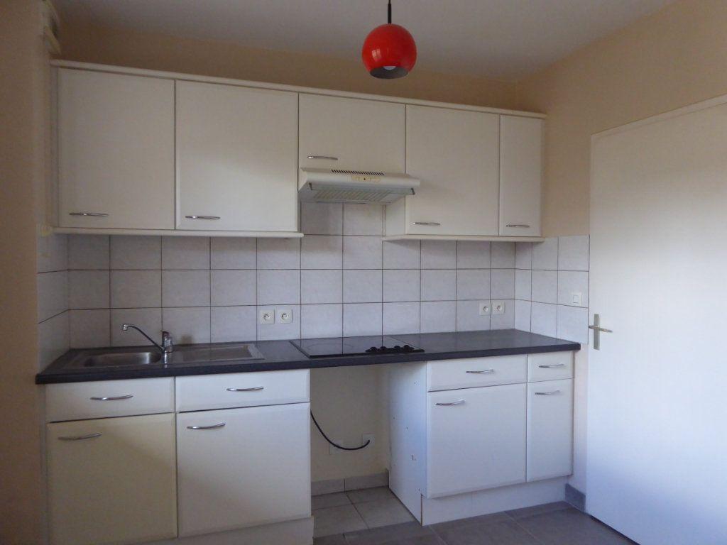 Appartement à louer 2 48.83m2 à Limoges vignette-2