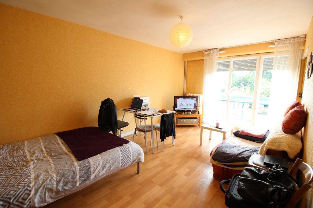 Appartement à louer 1 27.94m2 à Limoges vignette-1