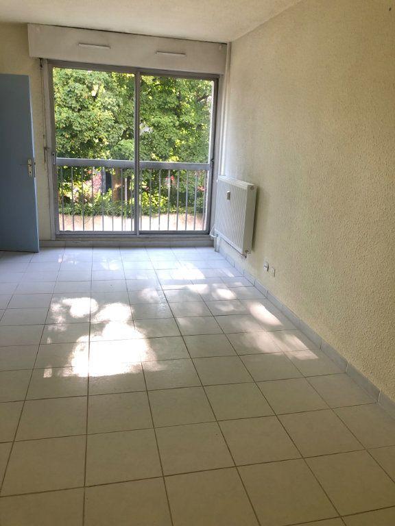 Appartement à louer 1 27.15m2 à Limoges vignette-1