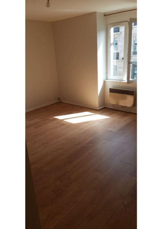 Appartement à louer 2 49m2 à Limoges vignette-2