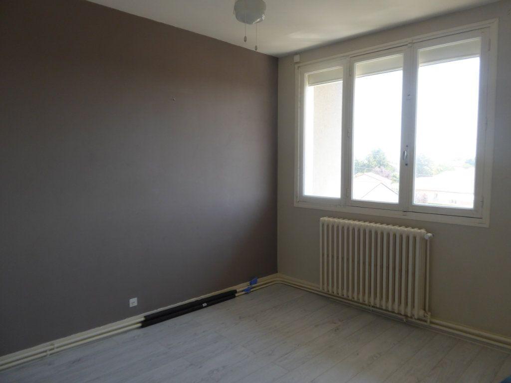 Appartement à louer 4 70m2 à Panazol vignette-3