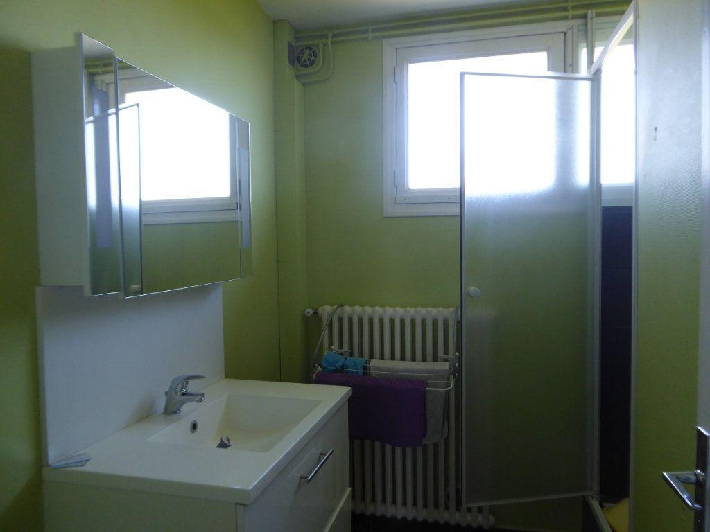Appartement à louer 4 70m2 à Panazol vignette-4