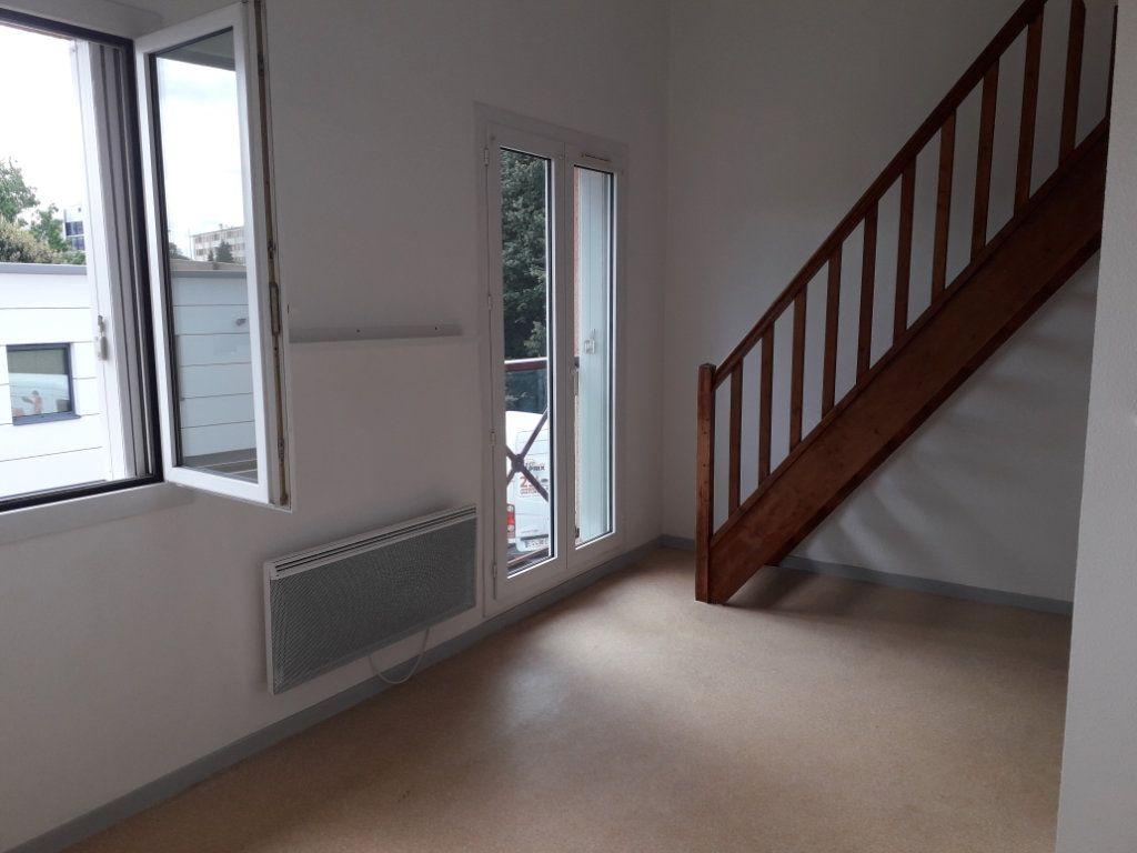 Appartement à louer 2 34.38m2 à Limoges vignette-1