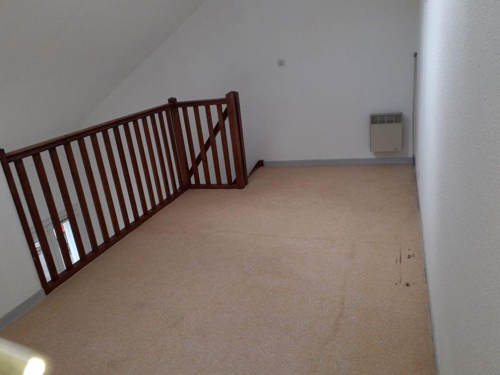 Appartement à louer 2 34.38m2 à Limoges vignette-2
