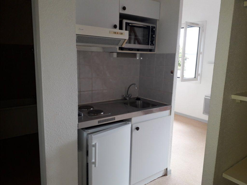 Appartement à louer 2 34.38m2 à Limoges vignette-3