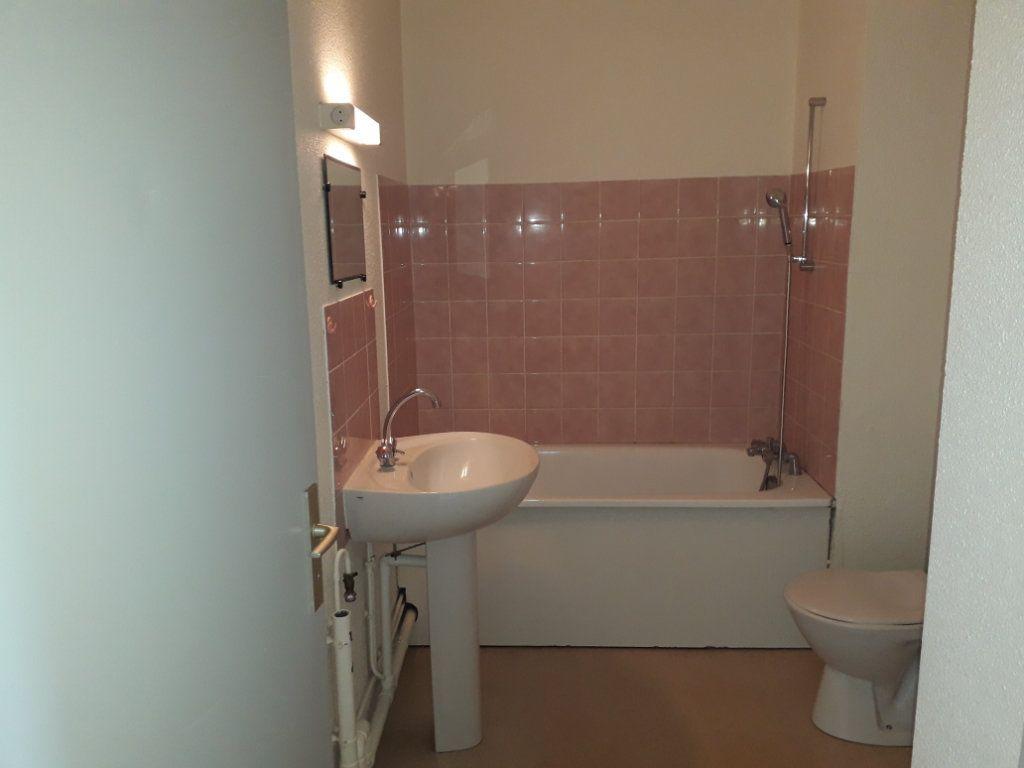 Appartement à louer 2 34.38m2 à Limoges vignette-4