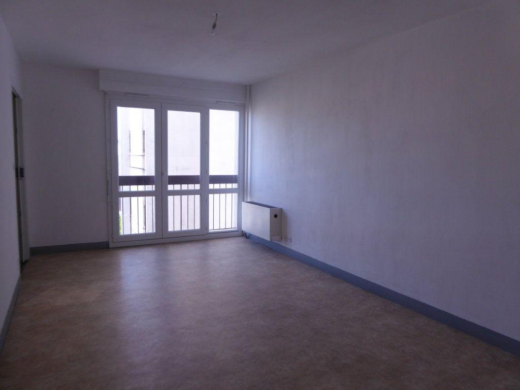 Appartement à louer 1 30.11m2 à Limoges vignette-1