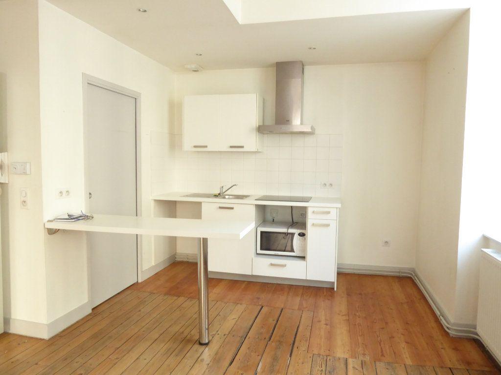 Appartement à louer 3 77.2m2 à Limoges vignette-1
