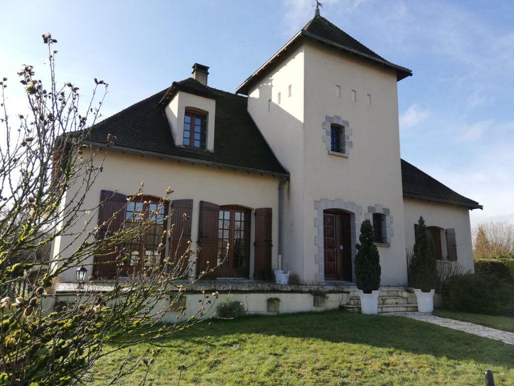 Maison à vendre 7 170m2 à Rilhac-Rancon vignette-1
